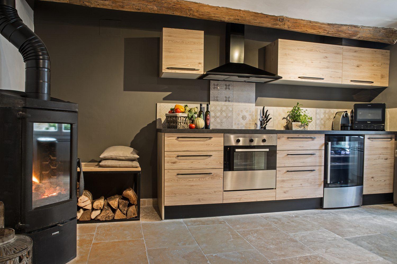 cuisine moyenne gamme prix moyen cuisine mobalpa cuisine haut de gamme cannes with cuisine. Black Bedroom Furniture Sets. Home Design Ideas