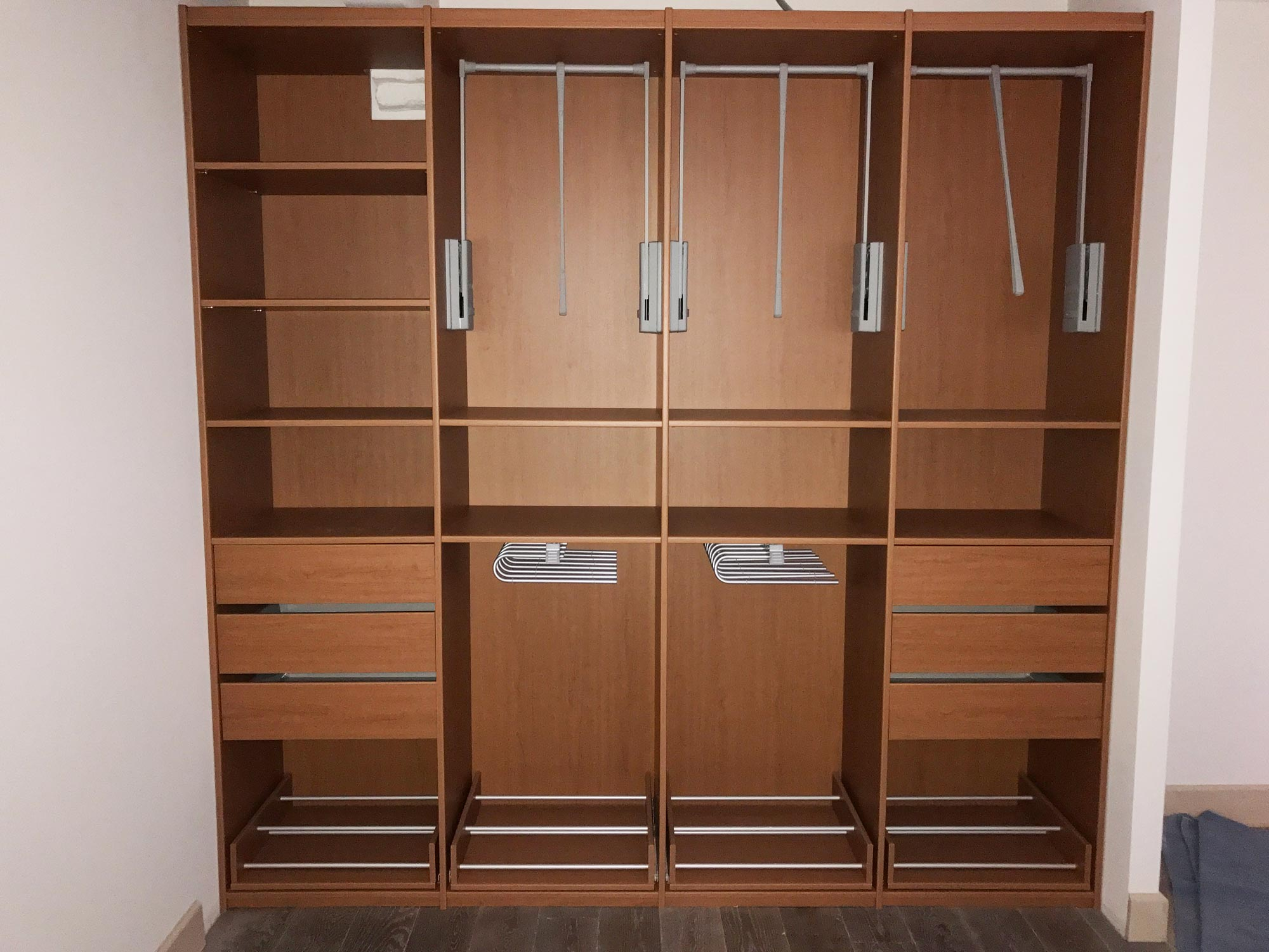 armoire ou dressing cheap armoire ranger ou jeter with armoire ou dressing trendy dressing de. Black Bedroom Furniture Sets. Home Design Ideas